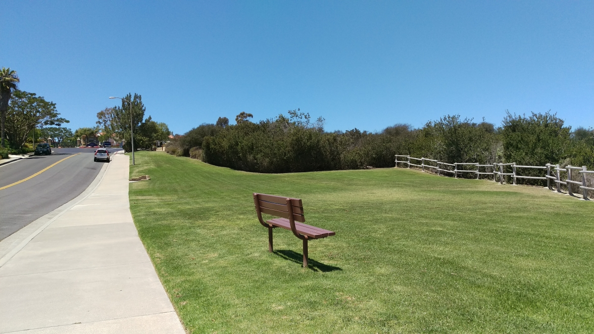 Aliso Peak Trail Parking